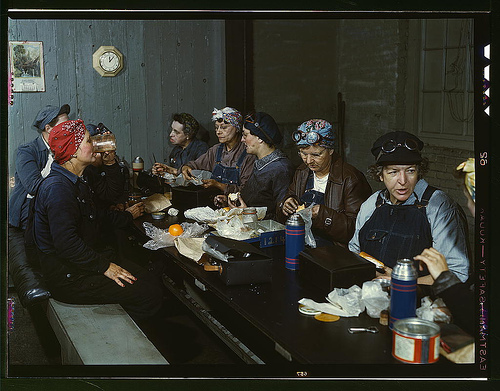 working women eating lunch